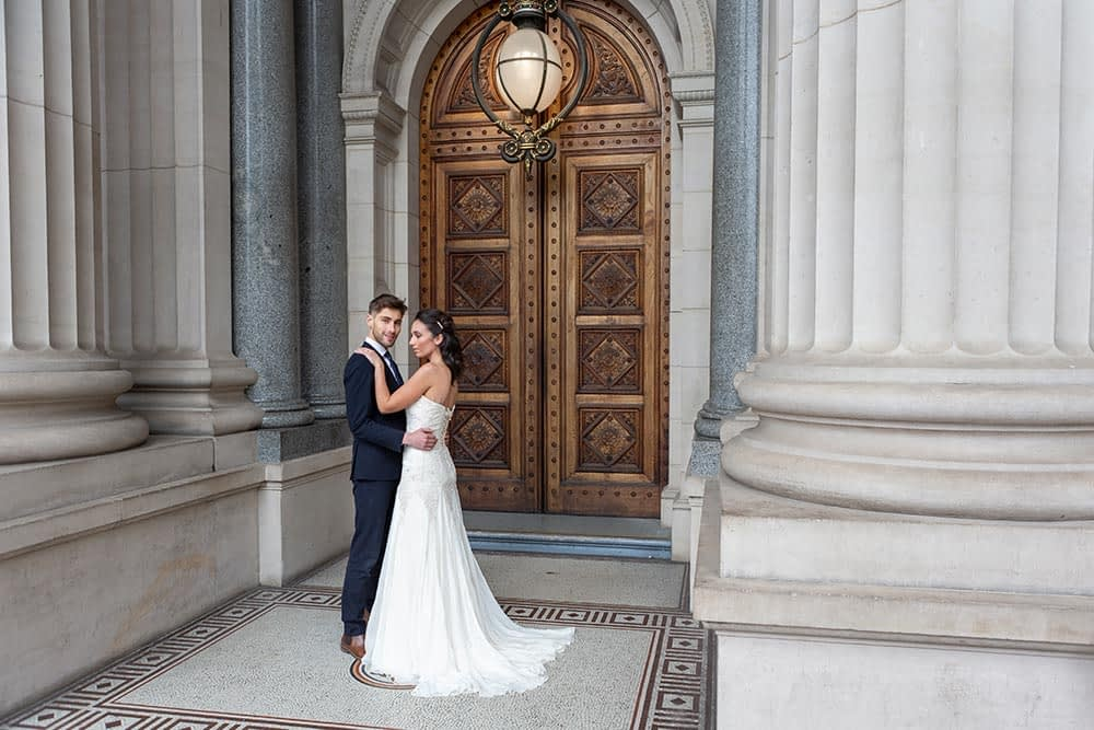 wonderful portrait of bride and groom at Parliament house