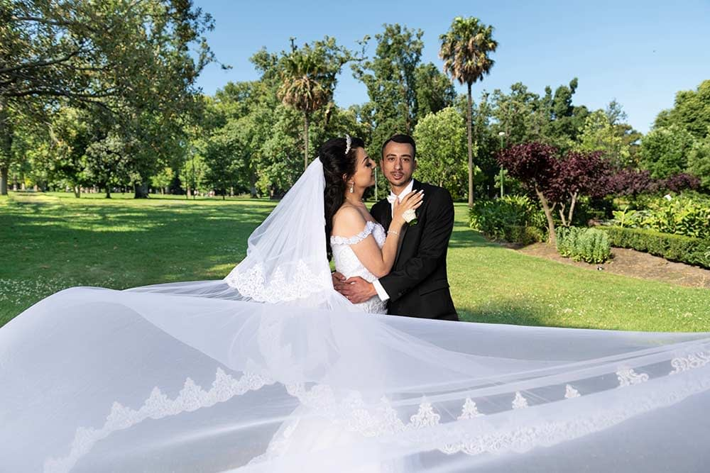 beautiful photo of bride and groom at Fitzroy Gardens