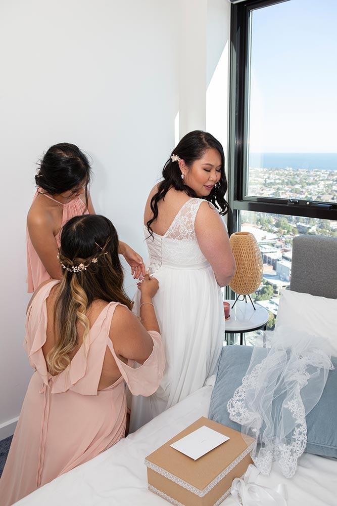 Wedding photograph Melbourne Tom Judy bride getting ready 02