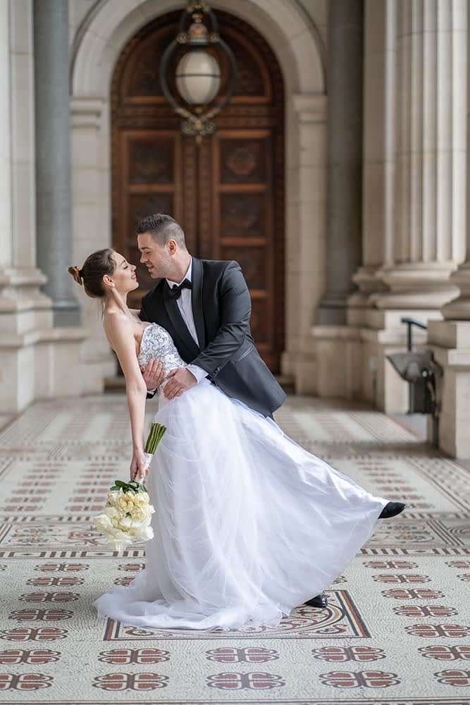 bride and groom photo at Parliament house