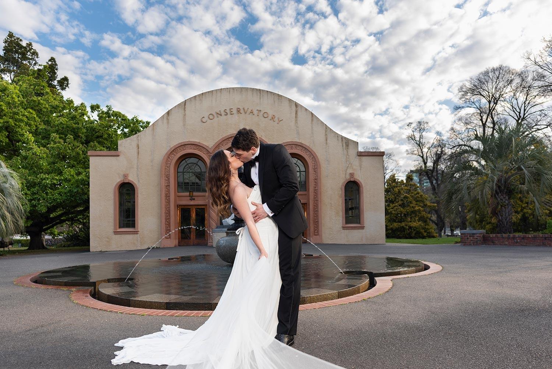 bride and groom photos at Fitzroy garden