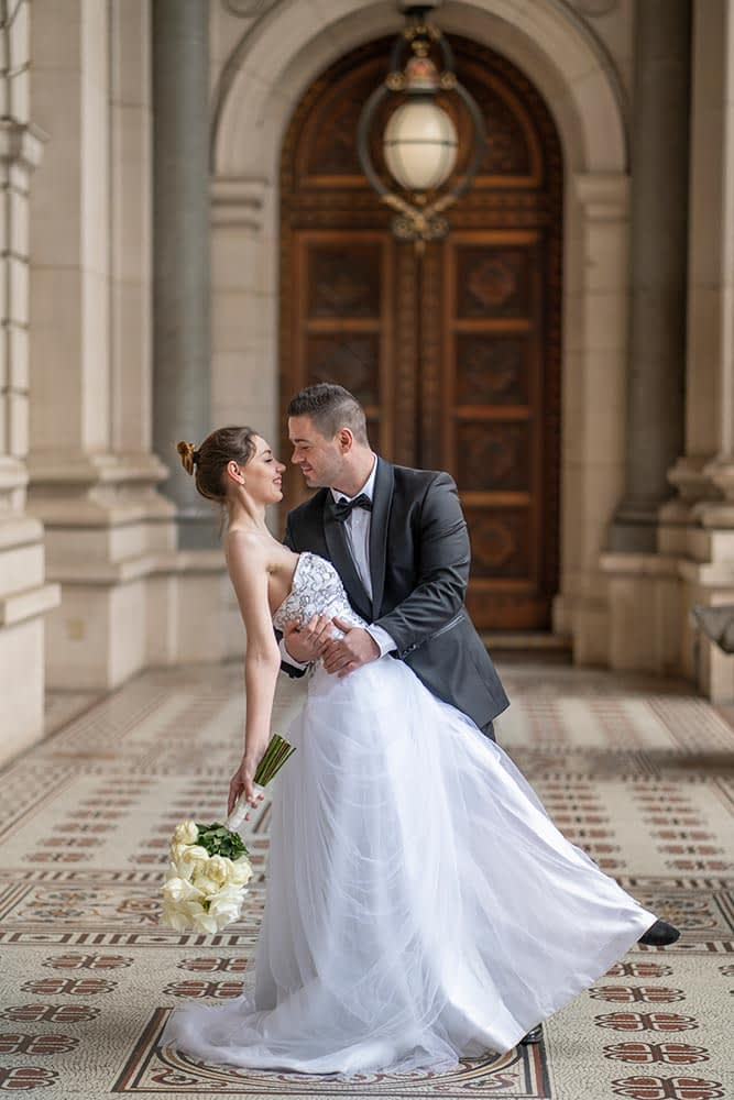 beautiful image of bride and groom at Parliament house